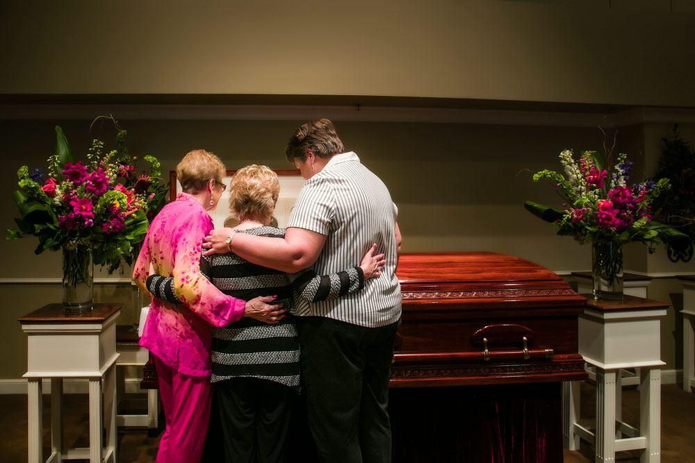 Lakeridge burial image2 web