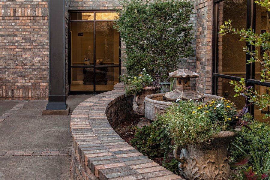lakeridge_courtyard1_web